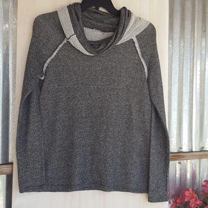 3/$20 Gray Cowl Neck Sweater L 🎃